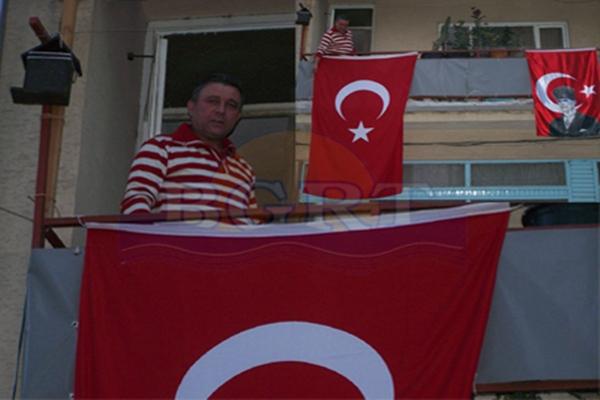 Türk bayraklı tepki Bayrak10