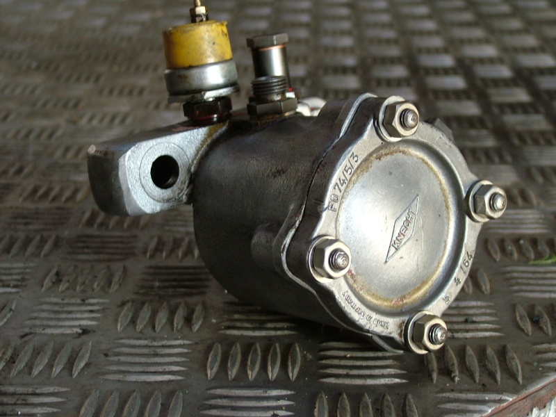 411 : fuite d'huile au niveau du filtre à huile Dscf5310
