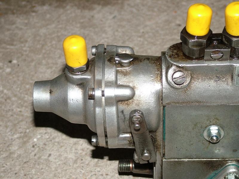 besoin d aide pour caler la pompe dunimog 411 Dscf5711