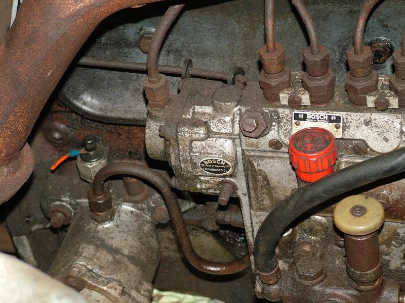 besoin d aide pour caler la pompe dunimog 411 Dscf5712