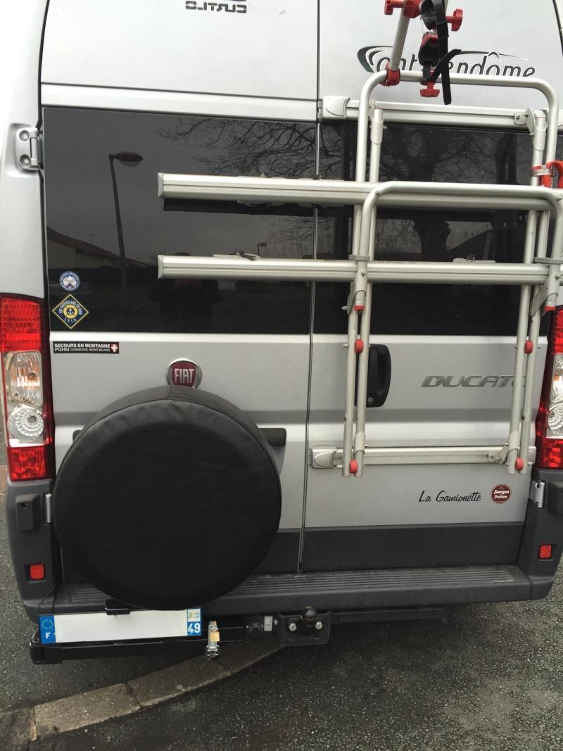 Porte roue de secours arrière sur Ducato Cc110
