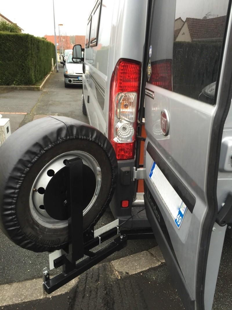 Porte roue de secours arrière sur Ducato Cc310