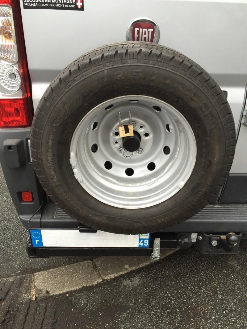 Porte roue de secours arrière sur Ducato Cc510