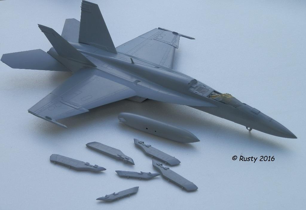 F/A-18E SUPER HORNET VFA-122 Flying Eagles [REVELL USA 1/48] P5250210
