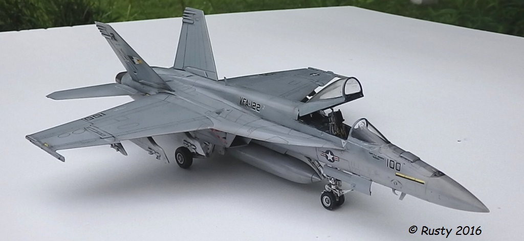 F/A-18E SUPER HORNET VFA-122 Flying Eagles [REVELL USA 1/48] P5283112