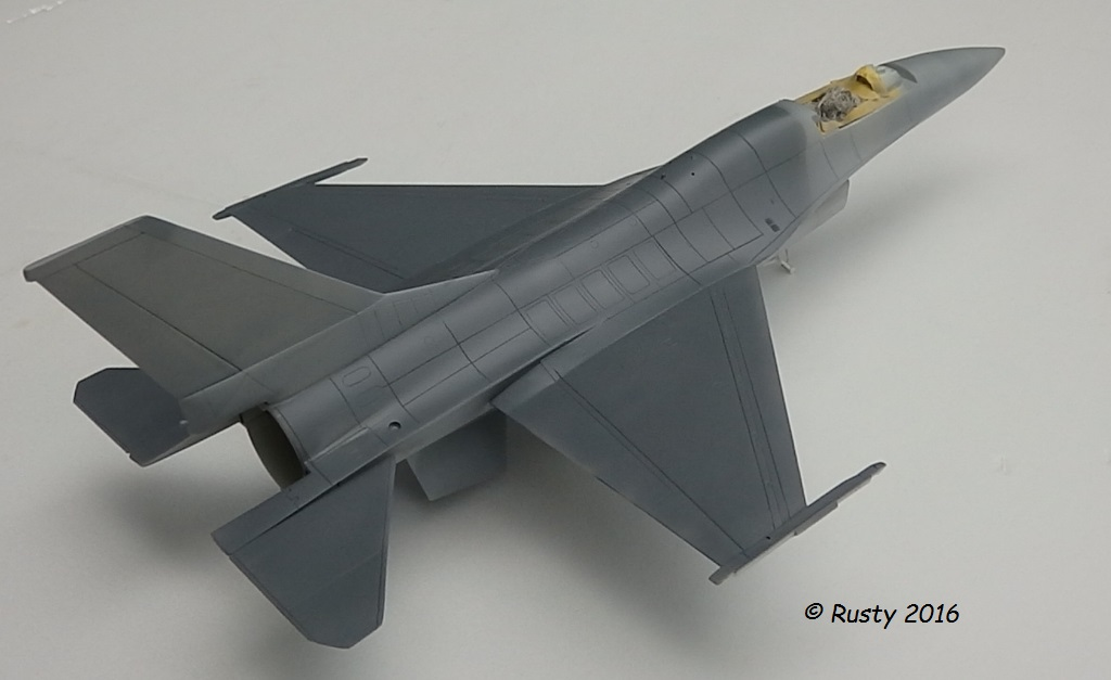 General Dynamics F-16A Fighting Falcon [REVELL 1/32] - Page 2 P6043214