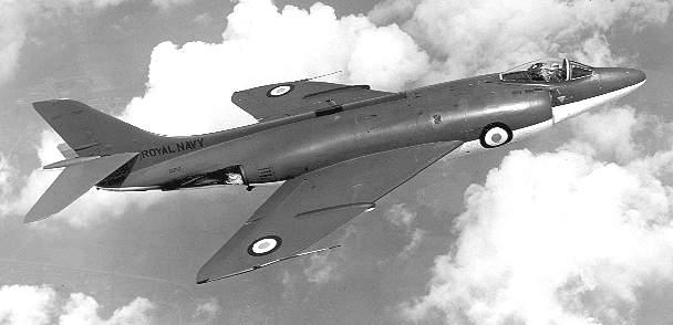 [Aéronavale divers] Un avion Anglais dans le bassin de l'Ecole de Plongée Scimit11