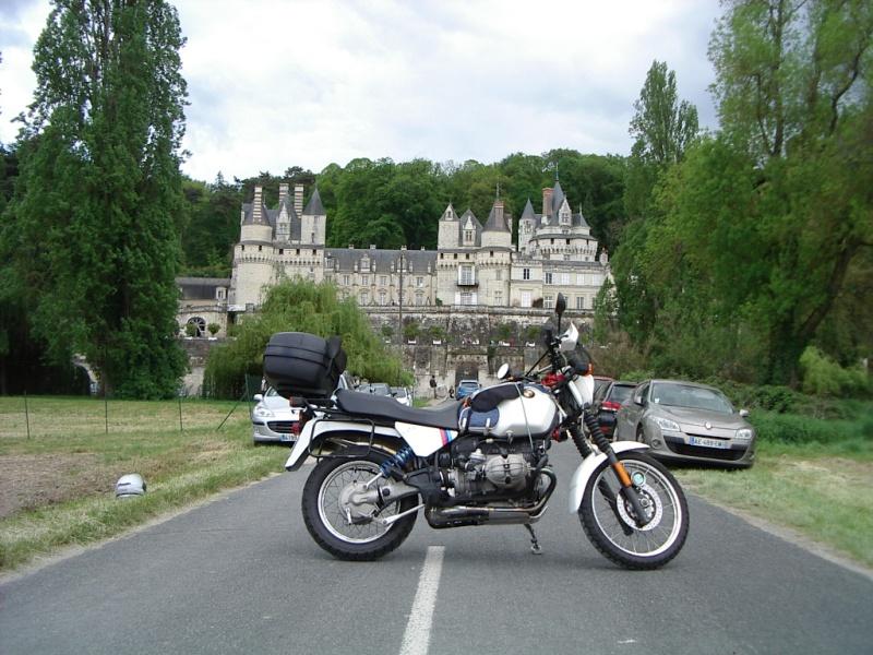 Photos de vous et de votre moto devant ....un château  - Page 12 Imgp1515