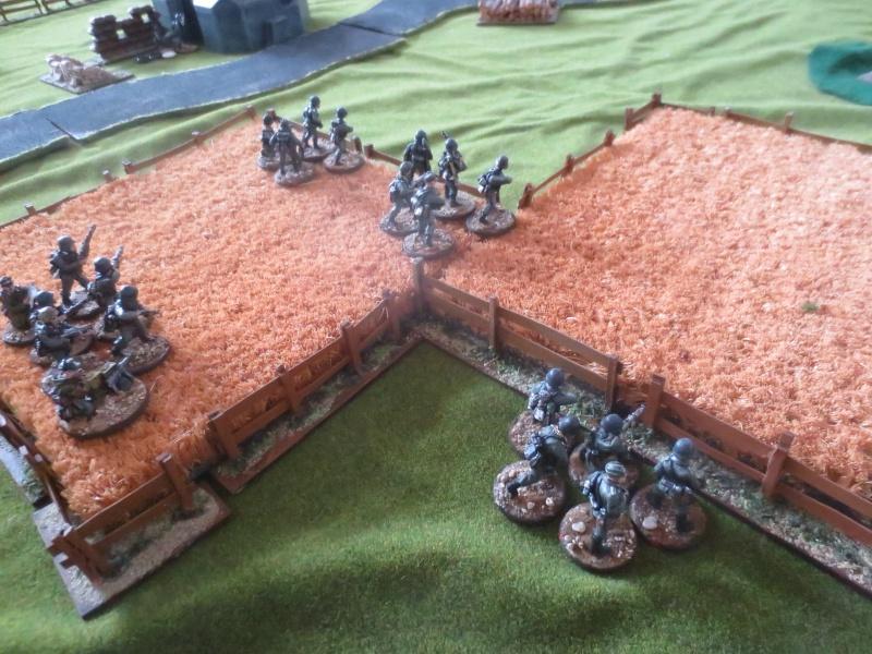 reds devils à l'assaut d'un bunker à Arhnem Img_3432