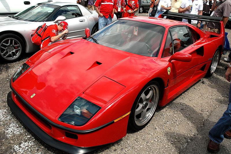 Le mythe Ferrari 800px-10
