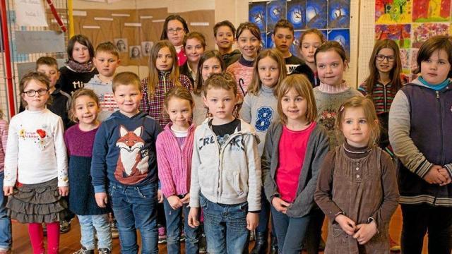 Poésie des enfants en cours de l'exposition à Le Guyader Les-ec10