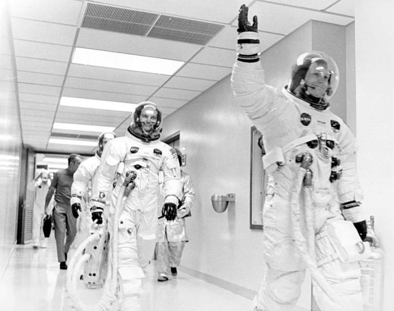 Pour les 40 ans d'Apollo 10 / Flight Journal Ap11-610
