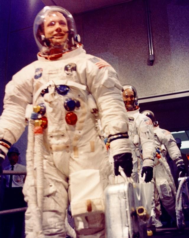 Pour les 40 ans d'Apollo 10 / Flight Journal Ap11-k10
