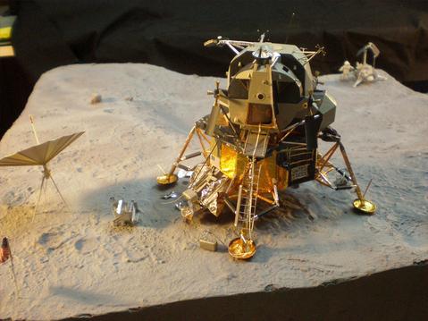 Nouveau Bouquin sur le LM-5 Apollo11