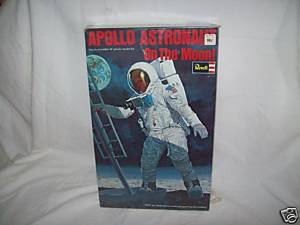 REVELL 1/8 Apollo Astronaut on the Moon Borlk810