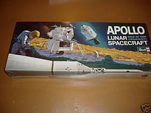 REVELL 1/8 Apollo Astronaut on the Moon Cc4b_310