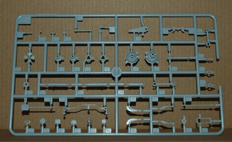 Le BRDM 1 de Trumpeter au 1/35ème Dsc_0046