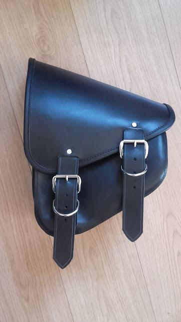 Fabrication d'une sacoche pour softail  20160432