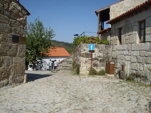 Aldea medieval recuperada de Povoa Dao en Viseu Portugal Imgp5612