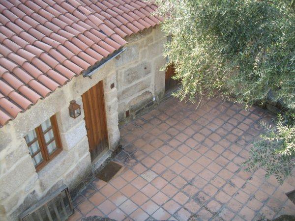 Aldea medieval recuperada de Povoa Dao en Viseu Portugal Imgp5622