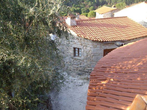 Aldea medieval recuperada de Povoa Dao en Viseu Portugal Imgp5623