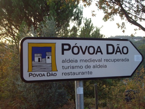 Aldea medieval recuperada de Povoa Dao en Viseu Portugal Imgp5626