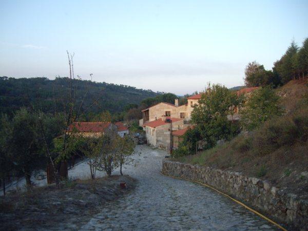 Aldea medieval recuperada de Povoa Dao en Viseu Portugal Imgp5628