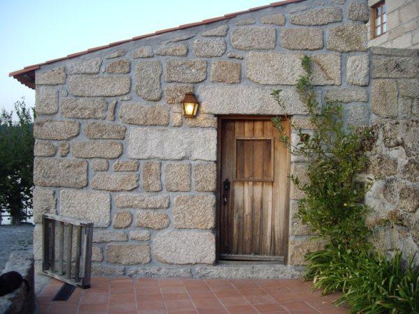 Aldea medieval recuperada de Povoa Dao en Viseu Portugal Imgp5630