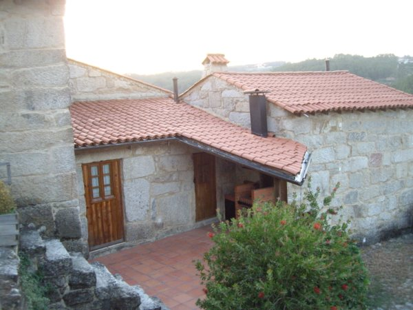 Aldea medieval recuperada de Povoa Dao en Viseu Portugal Imgp5632