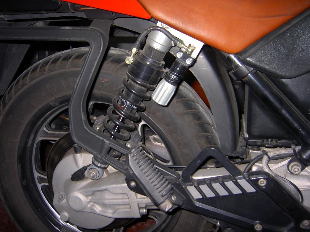 origianl OEM rear shock or progressive - which is better? Pict1413
