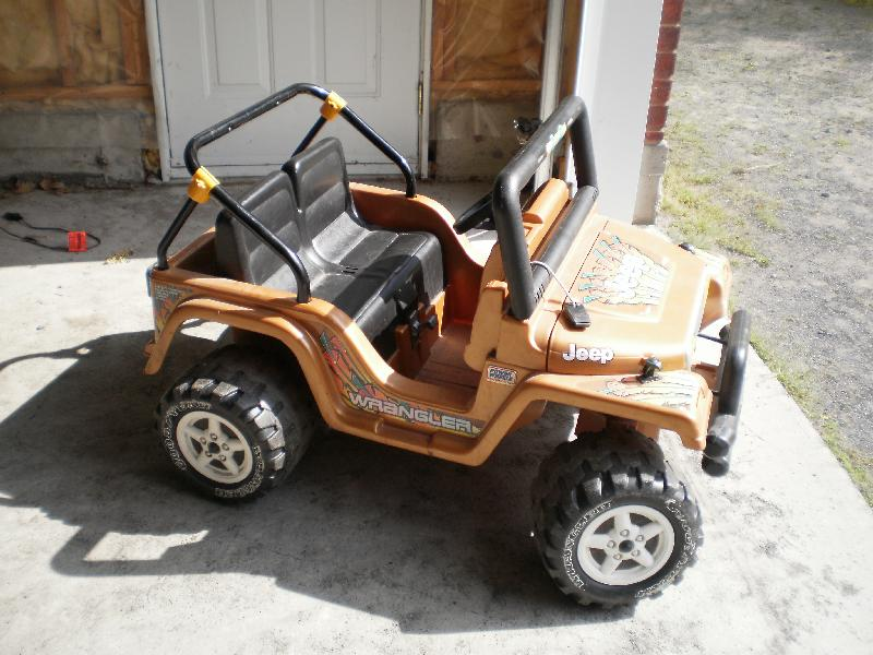 jeep et 4 roues 12 volts P8260018