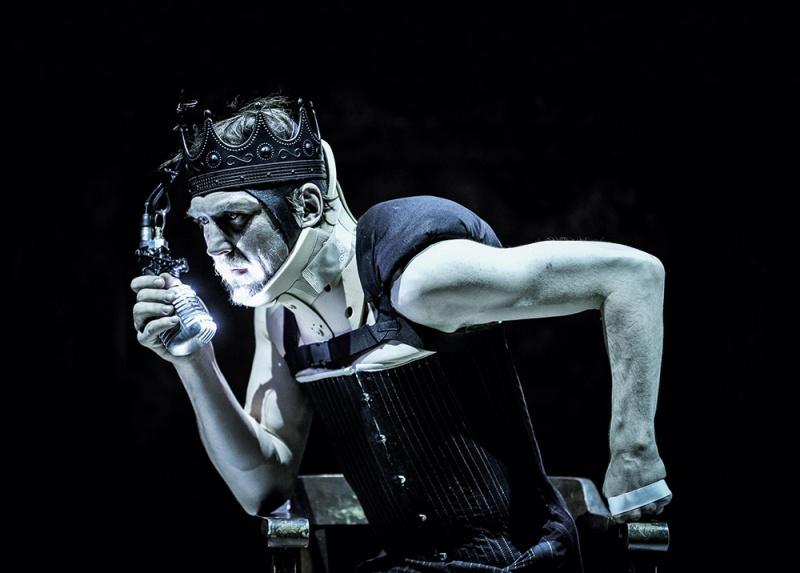 Henri III (Shakespeare) monté par Ostermeier en Avignon 2015 sur Arte+7 Richar10