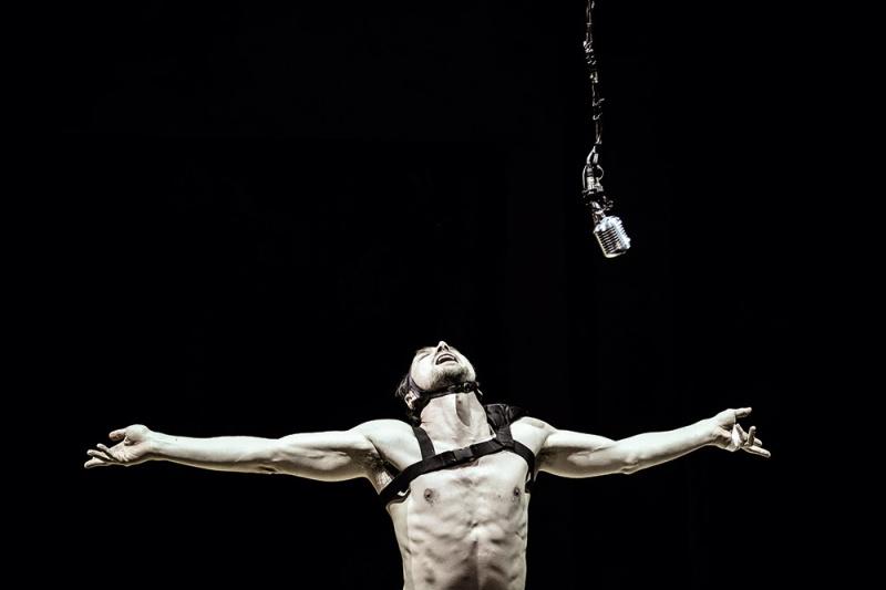 Henri III (Shakespeare) monté par Ostermeier en Avignon 2015 sur Arte+7 Richar11
