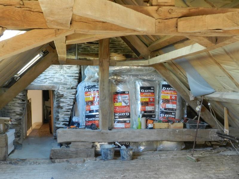 Deux nouveaux poteaux en chêne pour l'escalier Vauvyr20