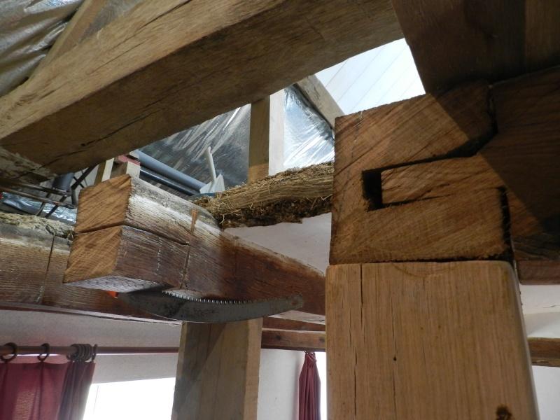 Deux nouveaux poteaux en chêne pour l'escalier Vauvyr21