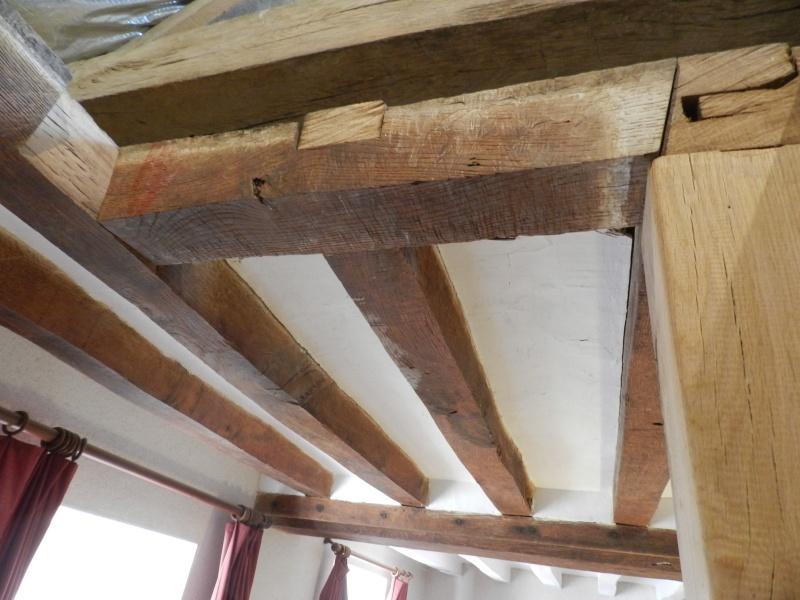 Deux nouveaux poteaux en chêne pour l'escalier Vauvyr22