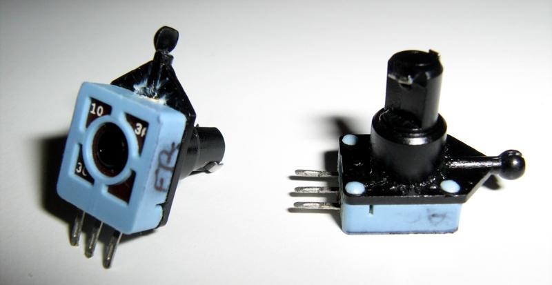 Sostituire i potenziometri dei volanti Logitech MOMO Racing e Driving Force Pro Foto_110