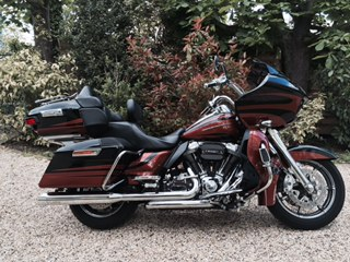 Road Glide CVO, combien sommes nous sur Passion-Harley - Page 19 Fullsi10