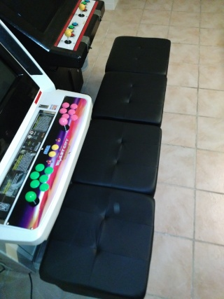 Alternative aux bancs / tabourets arcade officiels (Sega, Taito...) - Page 2 Img_2014