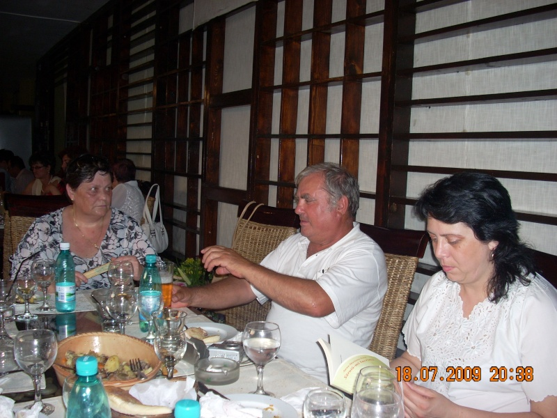 """18 iulie 2009-Volumul de versuri """"Saruta-mi lacrima""""a doamnei Atena Mariana Zara prezentat iesenilor Atena_10"""