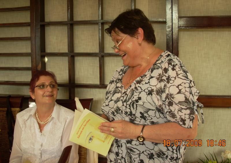 """18 iulie 2009-Volumul de versuri """"Saruta-mi lacrima""""a doamnei Atena Mariana Zara prezentat iesenilor Atena_12"""