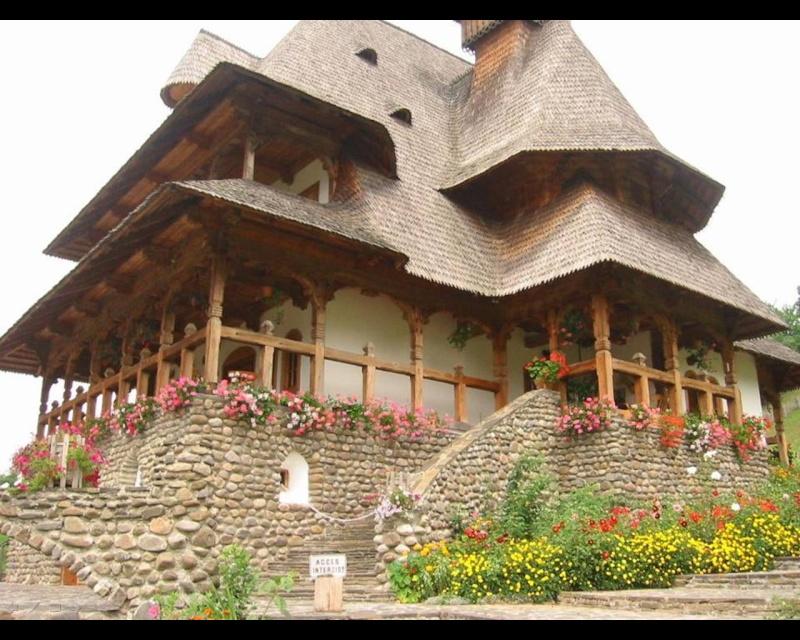 Mănăstirea Bârsana din judetul Maramureş. Clip_118