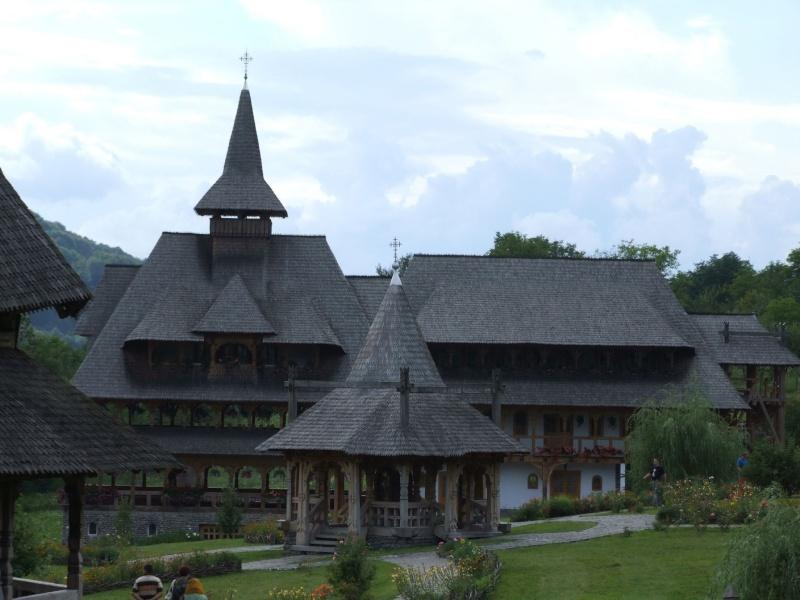 Mănăstirea Bârsana din judetul Maramureş. Clip_126