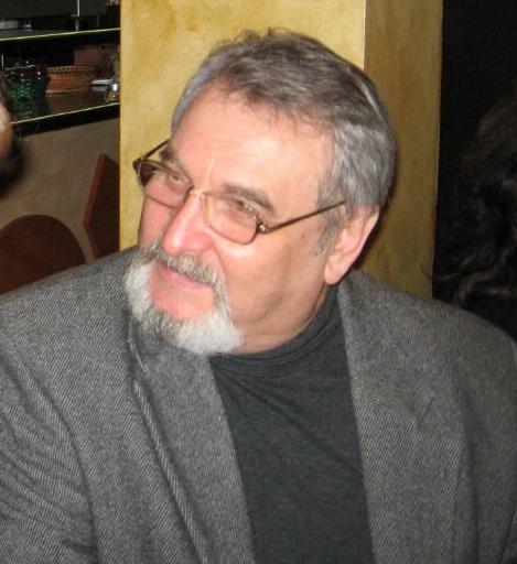 28 decembrie 2007 -Iasi -lansare de carte Volumul Destin-al Florei si NicK Clip_212
