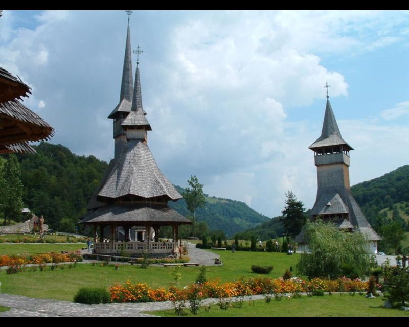 Mănăstirea Bârsana din judetul Maramureş. Clip_226