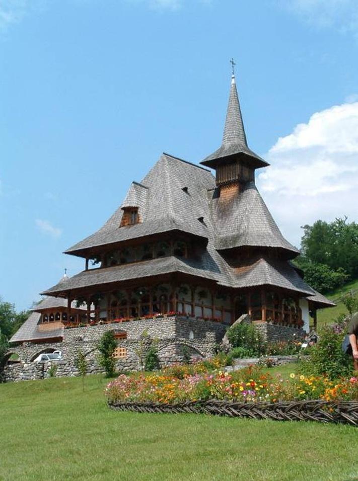 Mănăstirea Bârsana din judetul Maramureş. Clip_234