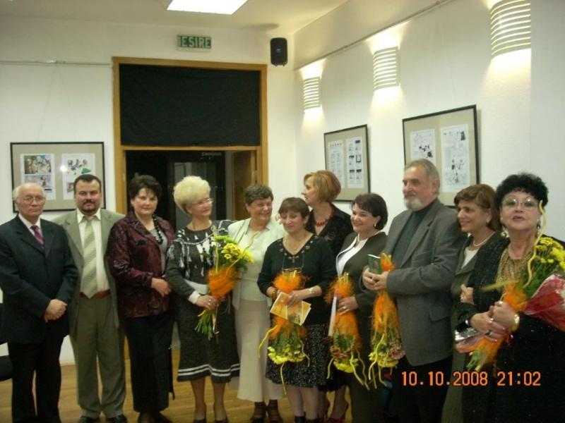 10 octombrie 2008 Iasi-lansarea celui de al doilea volum din ciclul anotimpurilor-Universul Prieteniei -Toamna Clip_314