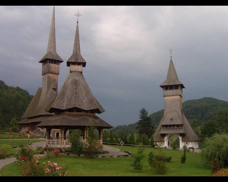 Mănăstirea Bârsana din judetul Maramureş. Clip_323