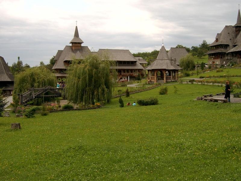 Mănăstirea Bârsana din judetul Maramureş. Clip_327
