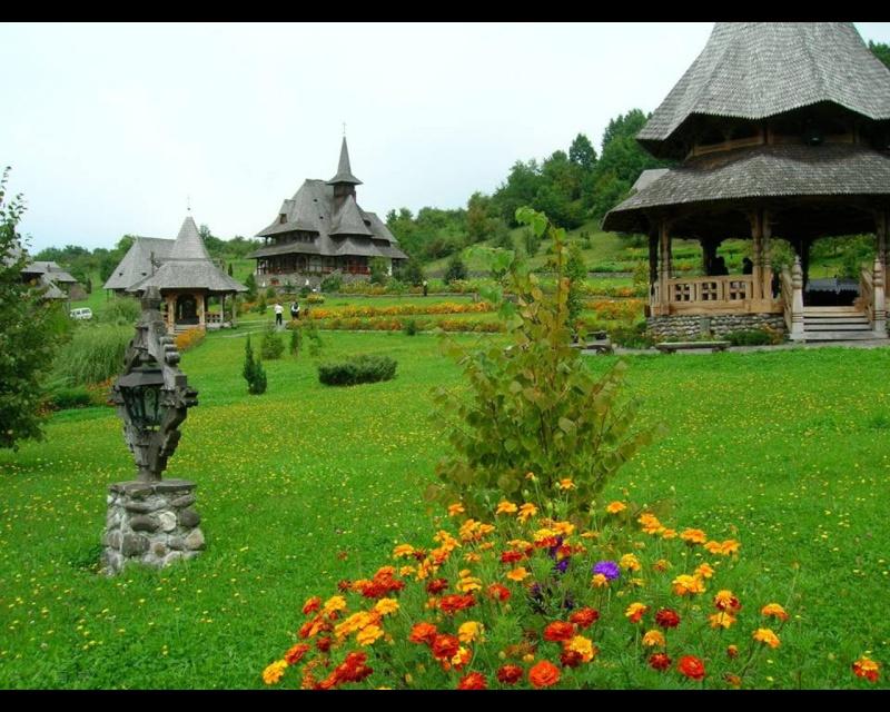 Mănăstirea Bârsana din judetul Maramureş. Clip_420